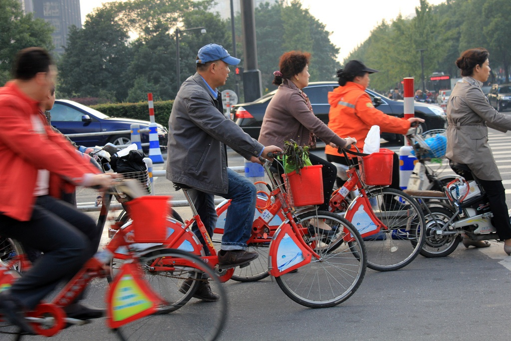 China's Hangzhou Public Bicycle: Understanding Early Adoption and Behavioral Response to Bikesharing (TSRC)